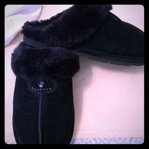 Bear paw size 9 slipper shoes